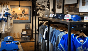 Classic designs meet modern memorabilia at Sport Gallery! From Blue Jays hats to original 6 jerseys, find everything for the Sports fans in your family at Sport Gallery.